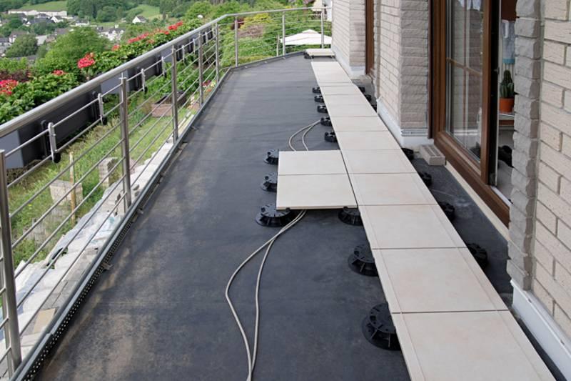 terrassenplatten stelzlager verlegen anleitung ds63 hitoiro. Black Bedroom Furniture Sets. Home Design Ideas